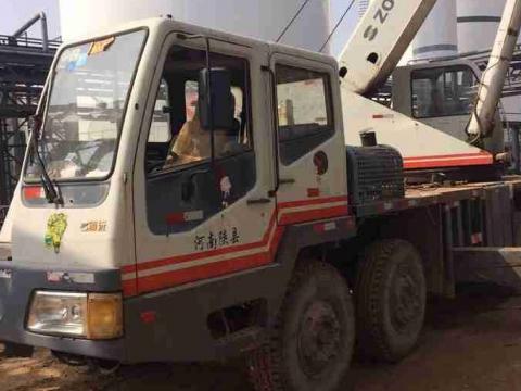 中联出售 16吨汽车吊 qy16h 230000元