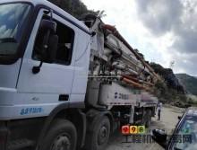 33万白菜价处理一台07年中联奔驰44米泵车